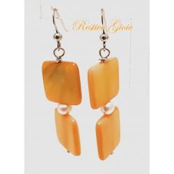 Orecchini in argento con pietre naturali di colore gialle e perla bianca