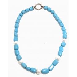 Collana in turchese e perle bianche con chiusura in acciaio